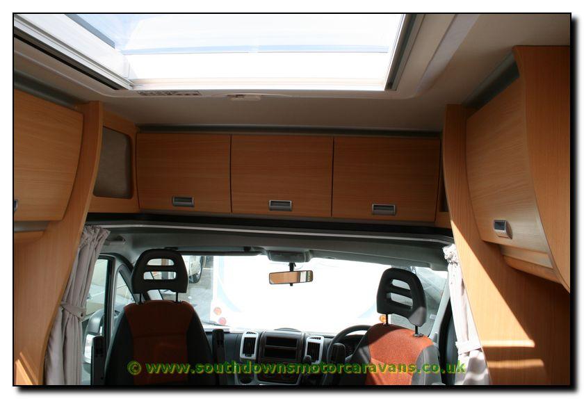 Southdowns | New Laika Kreos 3009 Motorhome N1046 32/62 Photo Gallery